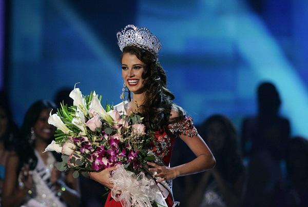La venezolana Stefanía Fernández, se coronó el 23 de agosto de 2009 como Miss Universo. (Foto Prensa Libre: EFE).