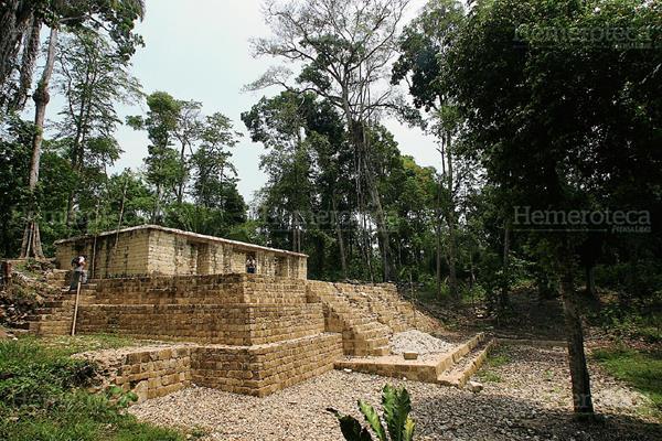 Sitio arqueológico Aguateca. (Hemeroteca PL)