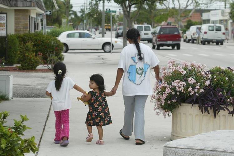 Texas dará actas a niños que nazcan de indocumentados<br />