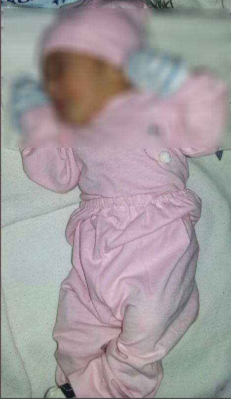 La bebé estaba bien abrigada, informaron autoridades. (Foto Prensa Libre: Mario Morales)