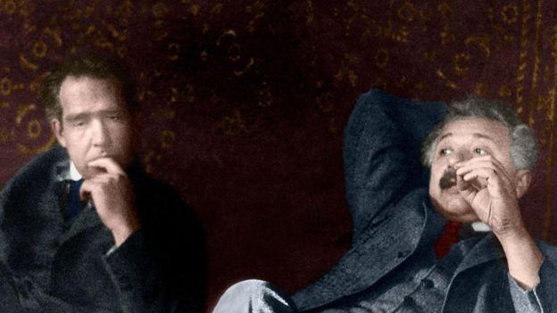 Relajándose con el físico Niels Bohr (SCIENCE PHOTO LIBRARY).