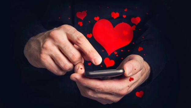 Para celebrar el Día del Carino, Facebook propone diferentes novedades para enviar mensajes con imágenes personalizadas.(Foto Prensa Libre: cdn3.computerhoy.com)