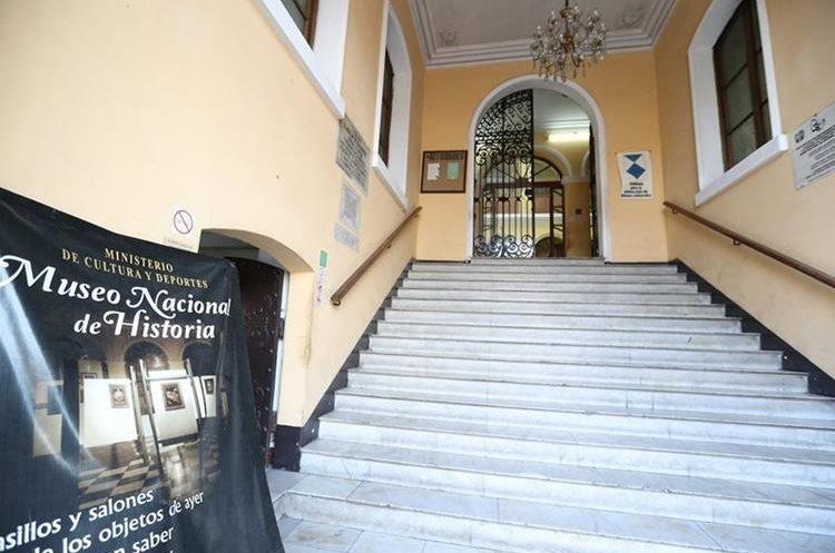 El Museo Nacional de Historia hay libros y películas de épocas pasadas del país. (Foto Prensa Libre: Ana Lucía Ola)