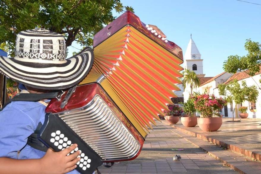 El vallenato es un género musical surgido del mestizaje de diversas expresiones culturales. (Foto Prensa Libre: Hemeroteca PL)