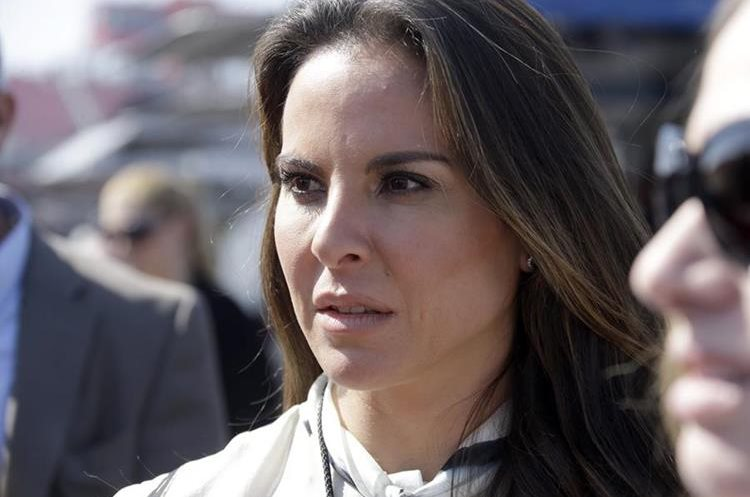 """FILE - In this March 24, 2013 file photo, Mexican actress Kate Del Castillo attends a NASCAR Sprint Cup auto race in Fontana, Calif. Del Castillo stepped out of the fictional drug-trafficker roles she played on TV and got involved in the real world of drug capos, after Sean Penn credited her with setting up a secret meeting with the world's most-wanted drug lord Joaquin """"El Chapo"""" Guzman. (AP Photo/Reed Saxon, File)"""