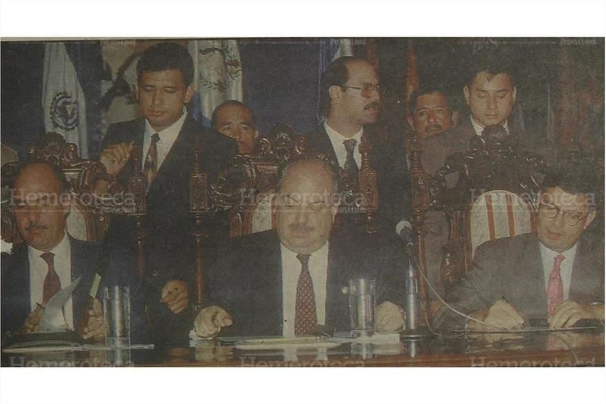 Presidente Jorge Serrano, expresa su reconocimiento a Belice. (Foto: Hemeroteca PL)