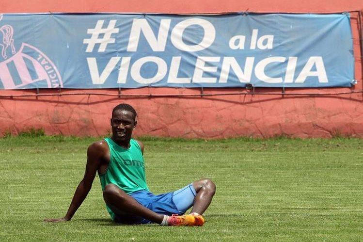 Marvin Ávila escribió en facebook que están listos para volver a jugar después de cumplir la suspensión de dos años por dopaje. (Foto Prensa Libre: Hemeroteca)