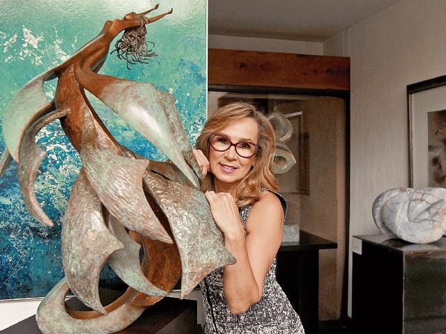 Diana Fernández será artista homenajeada de la muestra.