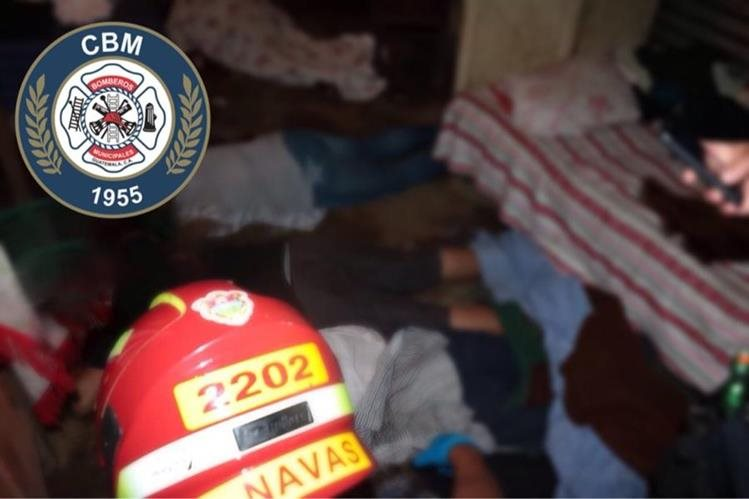 El ataque que dejó cinco muertos se registro en la colonia Linda Vista, zona 4 de Villa Nueva. (Foto Prensa Libre: CBM)