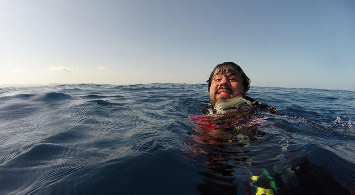 Su interés por documentar la biodiversidad lo ha llevado de los arrecifes a las montañas. (Foto cortesía de Marvin del Cid)
