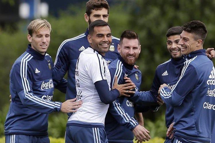 Argentina intentará conseguir el resultado que los acerque a Rusia 2018. (Foto Prensa Libre: AFP)
