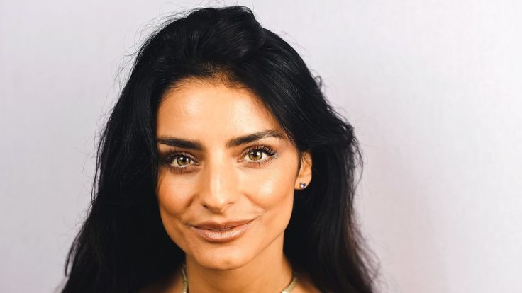 Aislinn Derbez interpreta a la única mujer en el grupo de amigos protagonista, la despechada prometida de Santiago. (Getty Images).