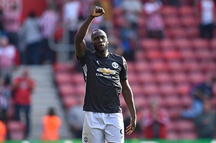 Romelu Lukaku salvó el triunfo del Manchester United frente al Southampton.  (Foto Prensa Libre: AFP)
