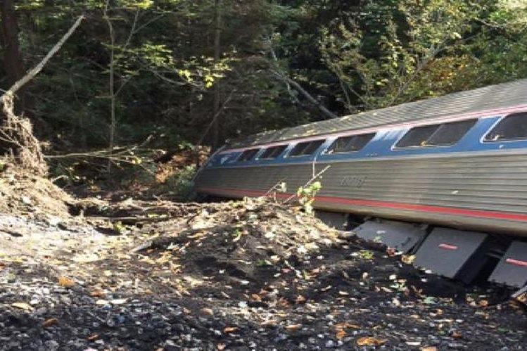 Tren de pasajeros se descarriló este lunes en el estado de Vermont, EE.UU.
