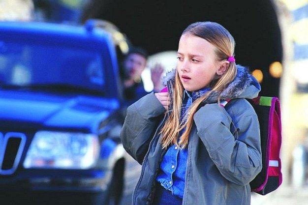 Entre las medidas para evitar que los niños se pierdan está el advertirles de los peligros en la calle.