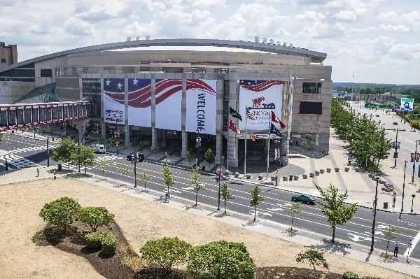 La Arena Quicken Loans está decorada para la Convención Nacional Republicana. (Foto Prensa Libre:AFP).