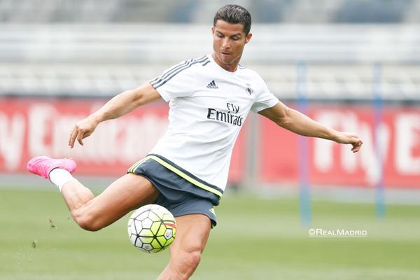 Cristiano Ronaldo durante la segunda sesión de entrenamiento del Real Madrid. (Foto Prensa Libre: Twitter Real Madrid)