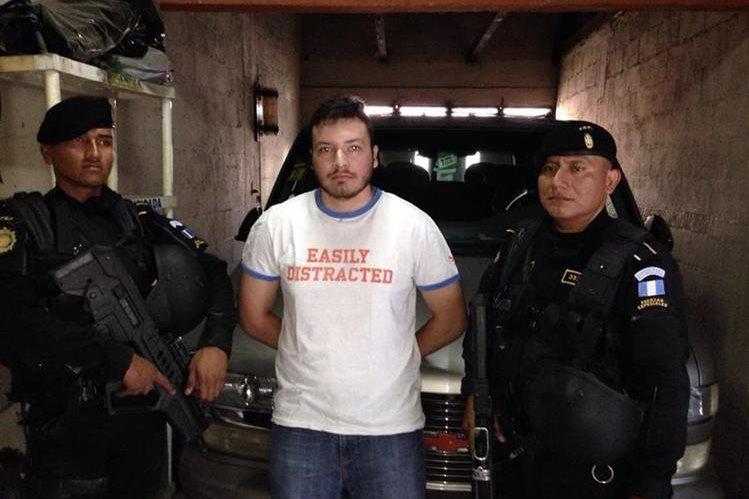 Cristian Comparini fue detenido en su vivienda, en San Miguel Petapa, vinculado a la muerte de Kimberly Pérez, en octubre de 2015. (Foto Prensa Libre: PNC)
