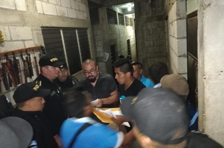 Autoridades median para la liberación de cinco personas, en San Andrés Huista, Jacaltenango, Huehuetenango.  (Foto Prensa Libre: Cortesía Municipalidad de Jacaltenango)