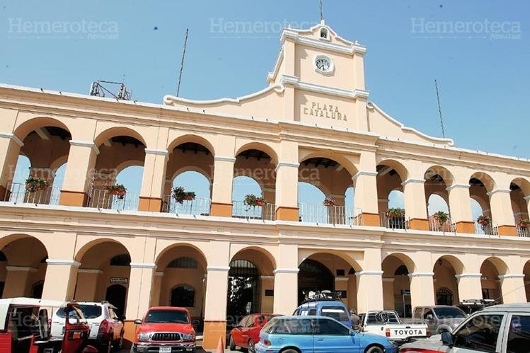 Edificio municipal de San Juan Sacatepéquez. (Foto: Hemeroteca PL)