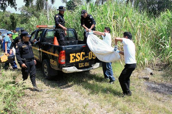 El cadáver de Jacoba Arévalo fue hallado el 17 de febrero, un día después de su desaparición, en Siquinalá, Escuintla. (Foto Prensa Libre: Carlos Paredes)