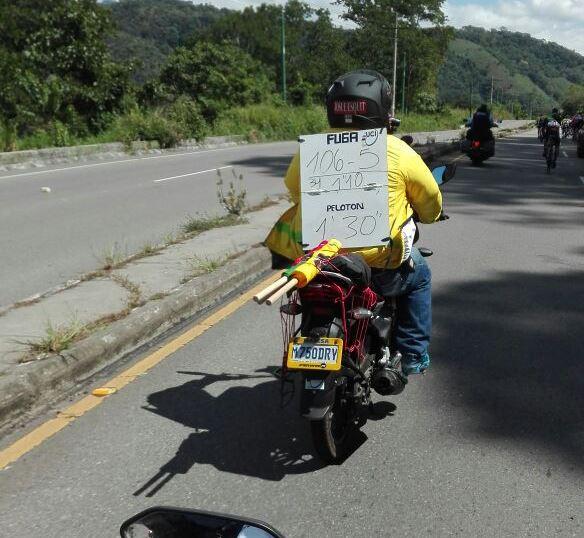 La Vuelta a Guatemala arrancó este lunes en el Puente Olímpíco.