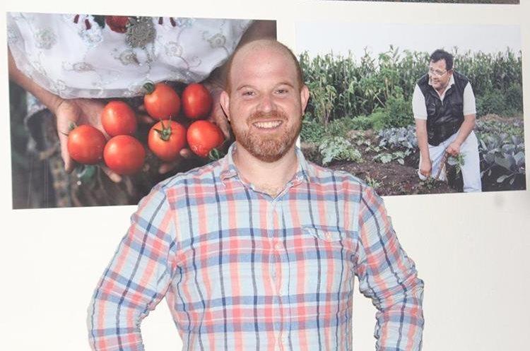 Jesse Schauben y su restaurante Tacorazón en Xela, cuyos productos son orgánicos y cultivados por familias que se benefician del negocio. (Foto Prensa Libre: Fred Rivera)