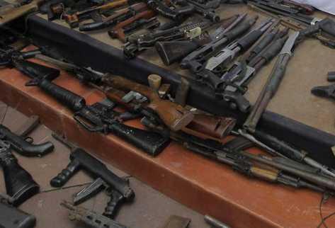 En Centroamérica circulan 2 millones 826 mil armas, dos de cada tres son ilegales. (Foto Prensa Libre: Archivo)