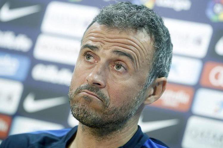 El entrenador del FC Barcelona, Luis Enrique Martínez durante la conferencia de prensa de este viernes. (Foto Prensa Libre: EFE)