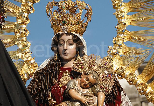 Virgen del rosario maravilla de arte y devocin la virgen del rosario es una escultura hecha de plata fundida a finales del siglo xvi altavistaventures Choice Image