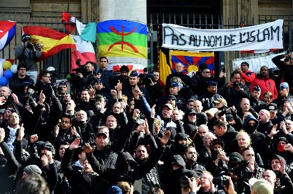 """El movimiento político de ultraderecha """"Génération Identitaire"""" ha convocado una manifestación en Molenbeek."""