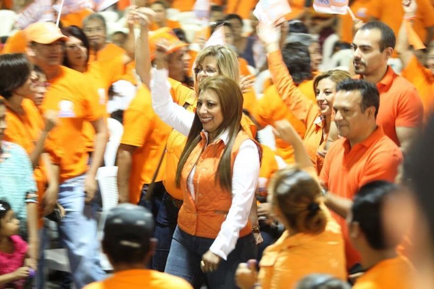Anabella de León fue presentada como candidata a la comuna capitalina. (Foto Prensa Libre: Esbin García)