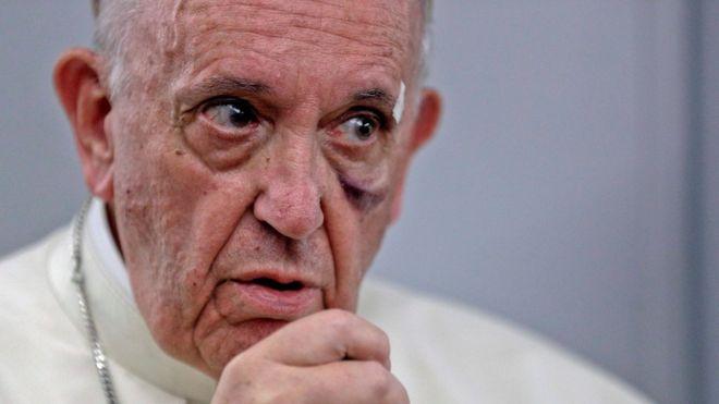 Para dar cuenta de la inmediatez del cambio climático el papa Francisco hizo referencia al deshielo en el Polo Norte. REUTERS