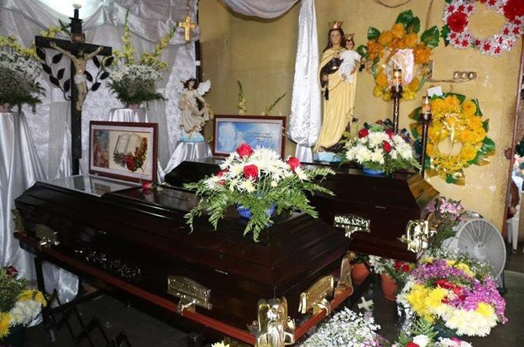 Los cuerpos de don Guillermo Herrarte y doña Elvira Cetina fueron velados juntos. (Foto Prensa Libre: Mario Morales)