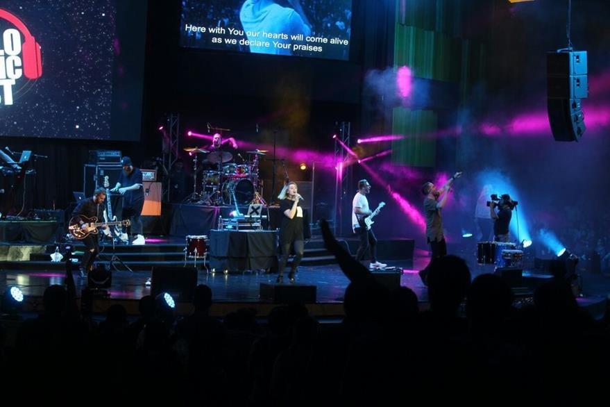 Los integrantes de PlanetShaker cierran el concierto de este domingo. (Foto Prensa Libre: Josué De León)