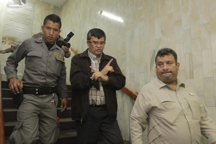 El exalcalde Arnoldo Medrano fue sentenciado a prisión por utilizar una empresa familiar para cobrar el IUSI.( Foto Prensa Libre:Hemeroteca PL)