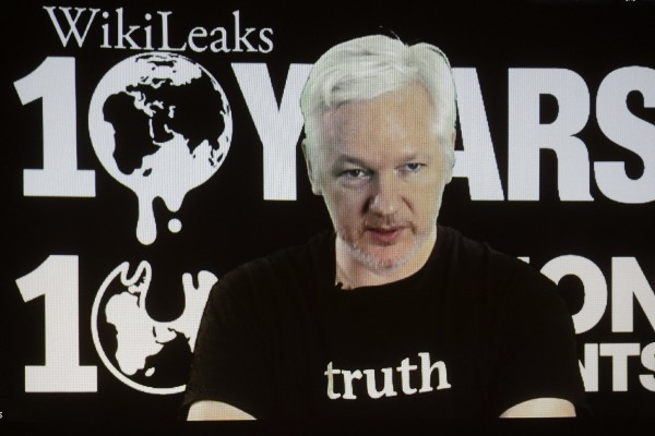 Julian Assange, fundador de Wikileaks, durante una videoconferencia. (EFE).