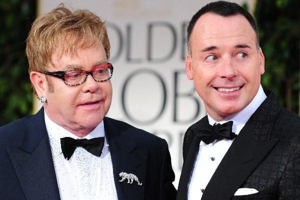 <p>Elton John se casó en mayo con su pareja David Furnish. (Foto Prensa Libre: EFE)<br></p>