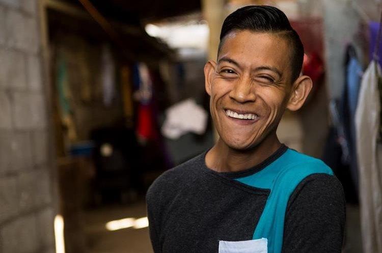 Osiel es un joven emprendedor que desea abrir su café internet. (Foto: Napo Sojuel)