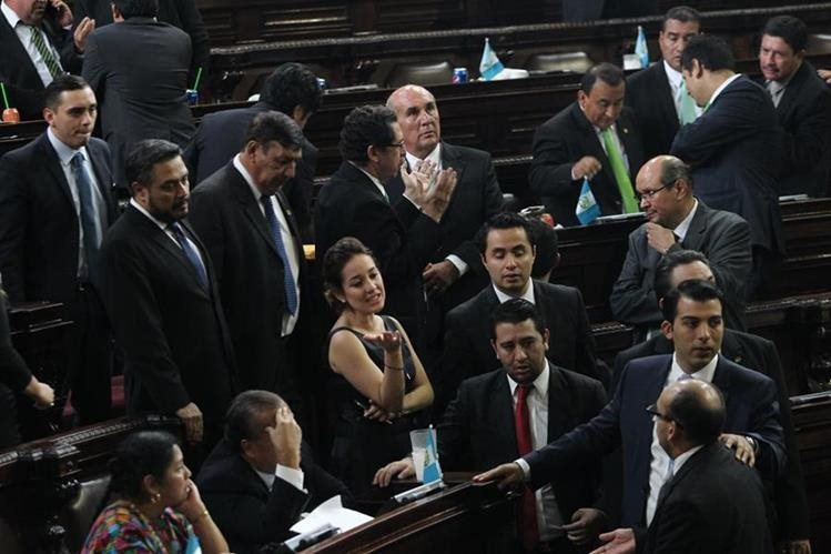Son 107 diputados los que aprobaron las reformas al Código Penal. (Foto Prensa Libre: Hemeroteca PL)