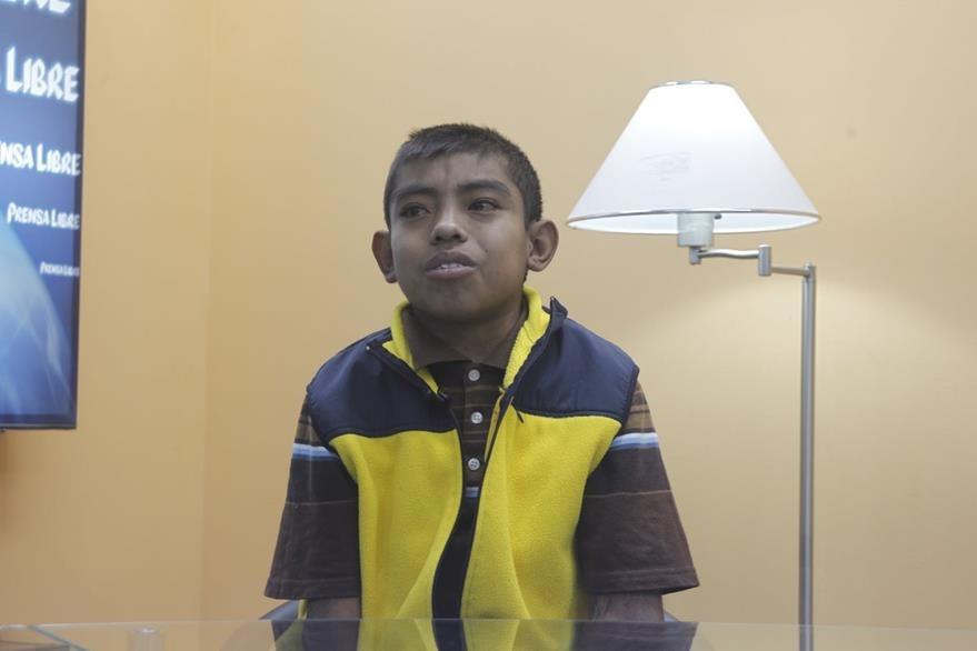 Ludwin Lucero, de 17 años, tiene insuficiencia renal. (Foto Prensa Libre, Óscar Rivas)