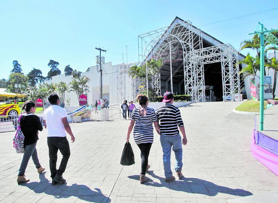 En los salones 8 y 9 del Parque de la Industria, zona 9, se llevará a cabo la Teletón 2017, este fin de semana. (Foto Hemeroteca PL)