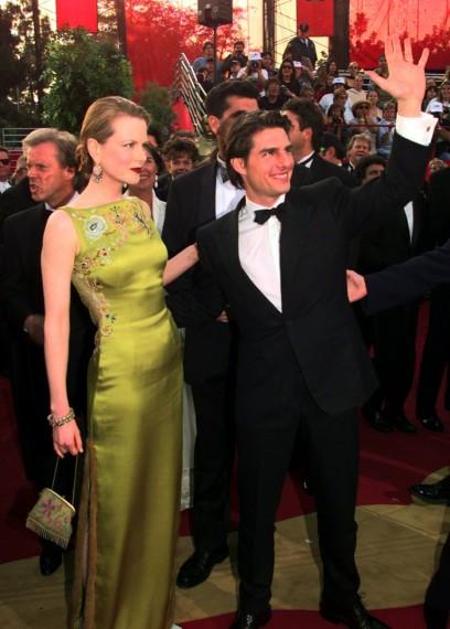 Nicole Kidman era en 1997reina de la alfombra roja fue la encargada de entregar el Oscar al Mejor Montaje y sorprendió con este diseño de la primera colección de John Galliano para Christian Dior Alta Costura.