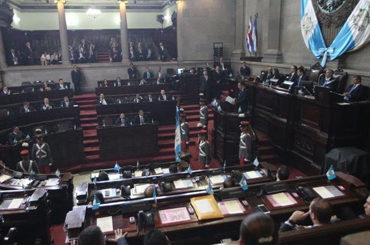 Después de la Sesión Solemne se continuó con una sesión ordinaria en la que se aprobó una moción privilegiada.