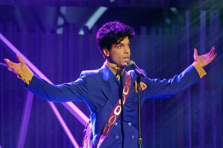 Cerca del cuerpo de Prince los investigadores encontraron medicamentos opiáceos.