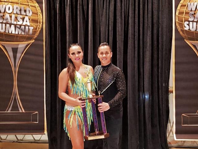 Katherine Milla y Héctor Blanco se convirtieron en emprendedores luego de haberse hecho cargo de academia. (Foto Prensa Libre: Cortesía)