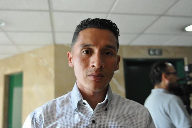 Jaime Daniel Quiyuch asistió a la citación de la bancada Encuentro por Guatemala al COG. (Foto Prensa Libre: Gloria Cabrera)