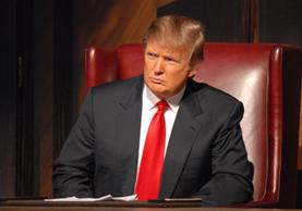 Donald Trump, el actual presidente de EE. UU., dirigió el reality show de negocios The Apprentice, pero su trabajo frente a las cámaras abarca muchas otras producciones. (Foto Prensa Libre: Variety).