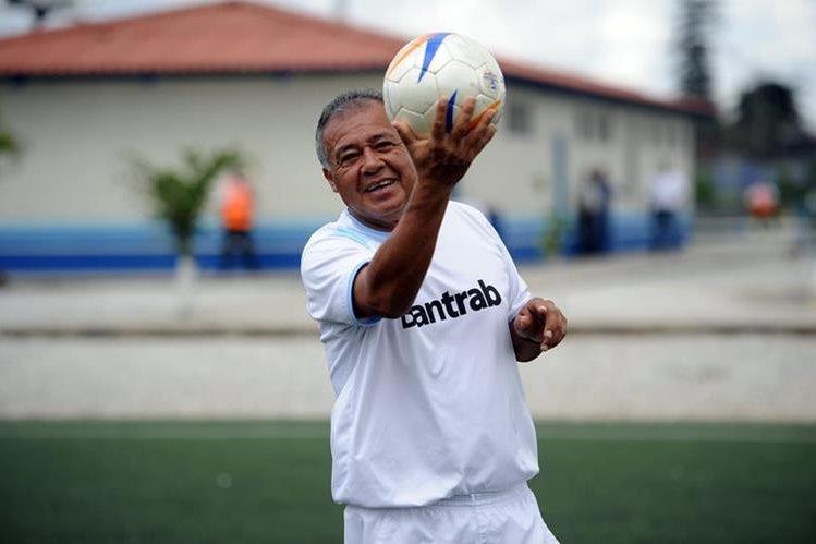 El exfutbolista Óscar Sánchez es considerado como uno de los mejores de la historia. (Foto Prensa Libre: Hemeroteca)