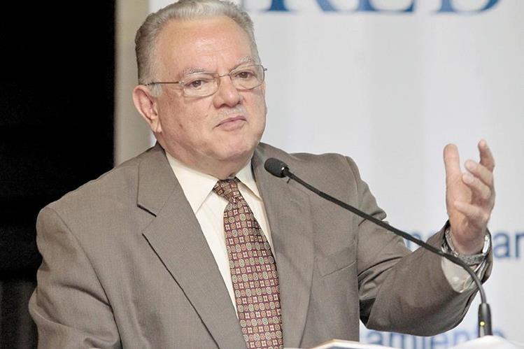 El ex vicepresidente Eduardo Stein hizo un análisis de los primeros días del nuevo gobierno. (Foto Prensa Libre: Hemeroteca PL)
